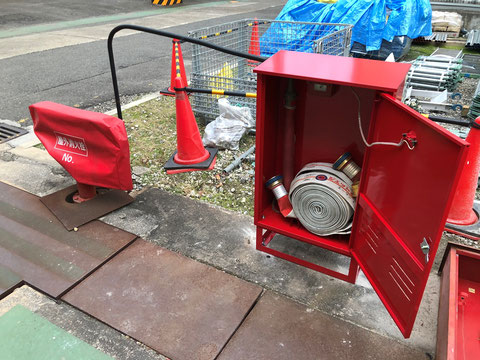 消火栓から5m以内にホース格納箱