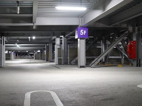 立体駐車場にも二酸化炭素消火設備