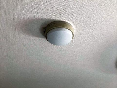 寝室の差動式スポット型熱感知器