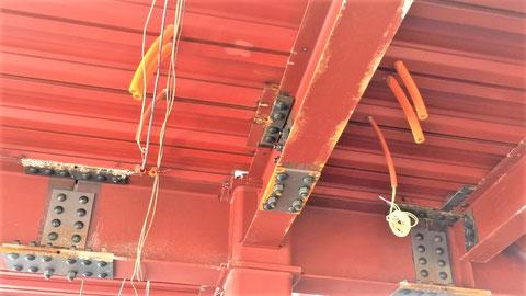 仕込んだCD管に電線 コンクリート埋込