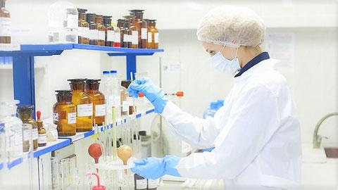 理科室にて化学実験