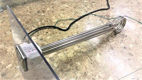 投げ込み式のヒーターを自家発負荷試験に利用