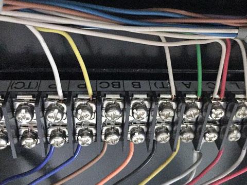 B及びBcの端子はあるが電線 無い