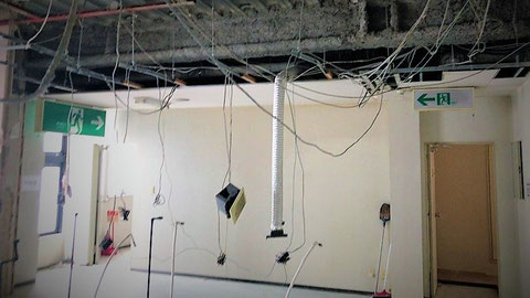 改装中の工事現場 耐火構造