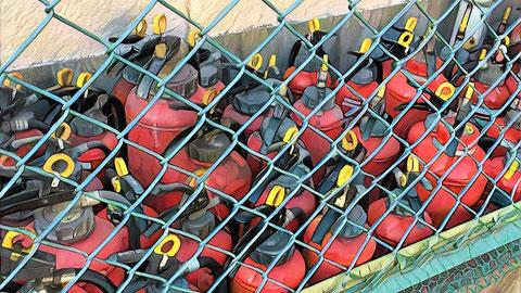青木防災にて回収された廃消火器