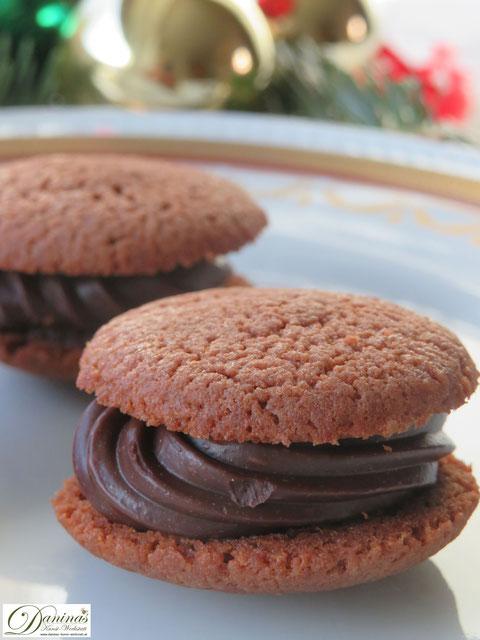 Feines Spritzgebäck: Schoko Kekse mit Pariser Creme. Weihnachtsplätzchen