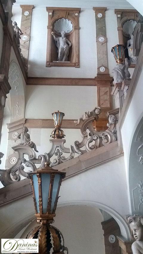 Schloss Mirabell - Historisches Treppenhaus zum Marmorsaal, einem der schönsten Trauungssäle der Welt