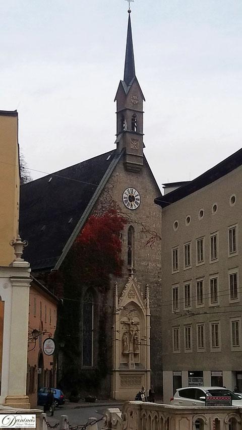 Salzburg, Blasius Kirche am Nordende der Getriedegasse