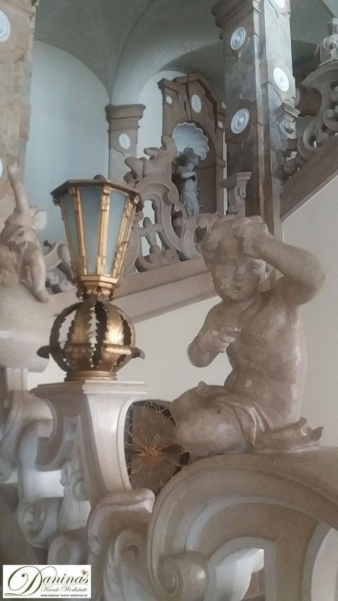 Schloss Mirabell - Marmortreppe mit Engelsfiguren zum Marmorsaal, einem der schönsten Trauungssäle der Welt
