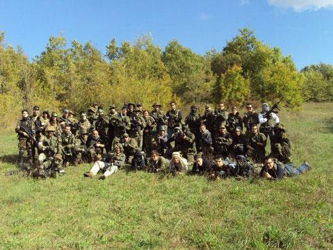 Foto di gruppo con tutte le fazioni