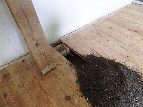 Lärchenholzboden auf biologischer Trittschalldämmung