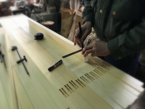 オリジナル木製建具の制作風景