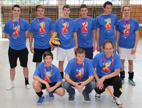 VC Spraitbach U18m: stehend v.l.: Max Rudeck, Daniel Drefs, Lukas Schmid, Jan-Philipp Swetlik, Julian Dangelmaier, Max Nothdurft; vorne v.l.: Julian Wiedmann, Marvin Kornhaas, Trainer: Robert Kornhaas.