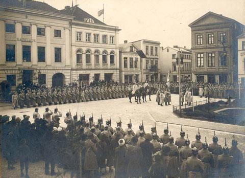Fahnenübergabe 12.1913 oder 01.1914