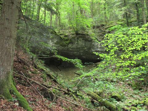 Alter Eingang in die 'Lindtrachen'-Höhle.
