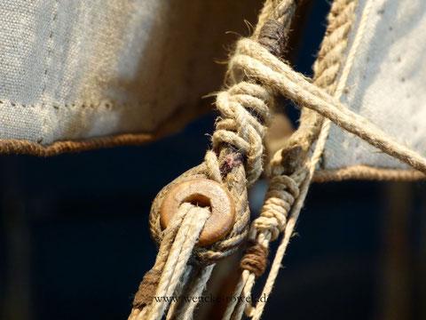 Tau, Knoten und Segel eines Schiffsmodells