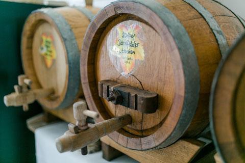 Holzfässer zum Wein zapfen