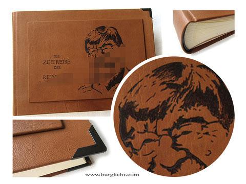 Fotoalbum Hardcovereinband Leder cognacfarben hell, Brandmalerei von Hand, Schriftzug und Porträt nach Foto.