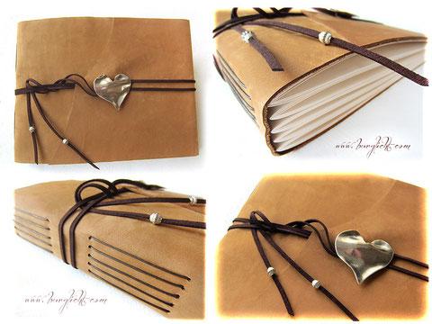 Lederalbum, karamellfarben, mit Herzanhänger, Hochzeitsgeschenk