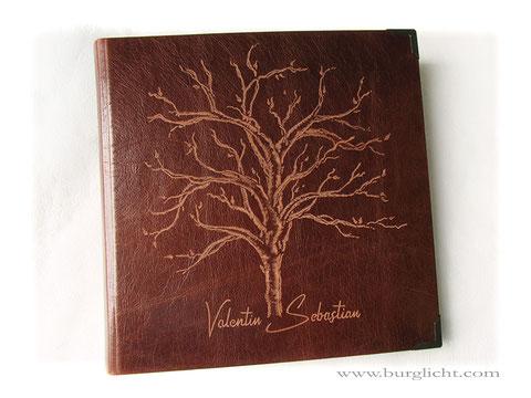 Lederalbum Konfirmation, Fotoalbum Hardcover, Freihand-Gravur Baum und Name