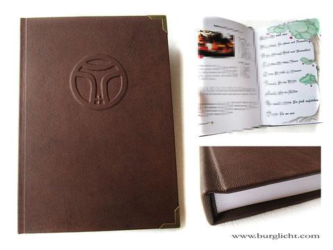 A4 Buch Hardcover Ledereinband braun mit Logo, individuell bedruckten Innenseiten, Buchblock Fadenheftung. Setzen-Drucken-Binden - Alles aus einer Hand.