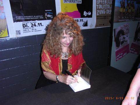 Gioconda Belli, zakk, Düsseldorf, Lesung, livemusik, Nicaragua, Autogramm, 2015