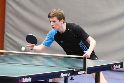 Pascal Polak gewann mit Florian Fechtler im Doppel und sein Einzel gegen Samol (Foto: Laame)
