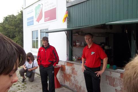 Die Trainer Matthias und Bernd