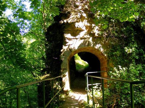 Entrée du Petit Greifenstein et passerelle reliant les deux châteaux