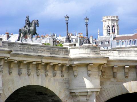 Le Pont Neuf (le plus vieux pont de Paris)