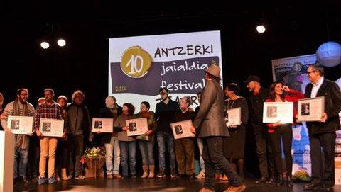 Diferentes momentos de la gala de entrega de premios del festival de teatro amateur, que tuvo lugar este pasado fin de semana en el auditorio Txema Blasco de la Casa de Cultura Micaela Portilla. (Foto: E.S.P.)