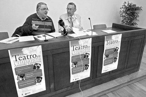 Pedro Echávarri Vega y el concejal de Cultura, Félix Alfaro, ayer en Fray Diego (Foto: M.P.A.)