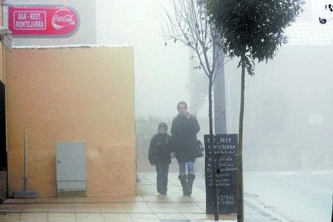 Niebla ayer en Ayegui, localidad que registró problemas para circular a primera hora de la mañana. (Foto: Montxo A.G.)