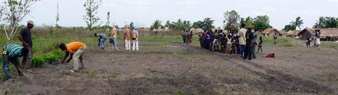 Les Amis du Togo - construction d'un apatam à Alati Attidomé