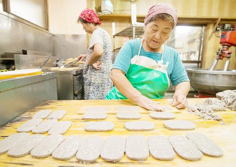 はるちゃん天ぷらを作っている様子