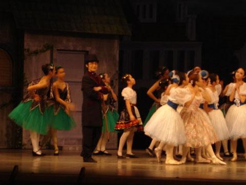 第20回フレンドリーシアター「バレエ物語 コッペリア」より