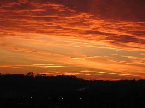 Le ciel flamboie au-dessus de la Garonne (photo M. Depecker)