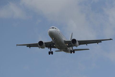 La sortie du train d'atterrissage est une phase délicate à laquelle a été confronté le vol Air France 7627 (D. Sherwin-White)