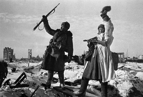 Le 2 février 1943, aux abords de Stalingrad, les dernières unités allemandes ont cessé de résister, vaincus par l'hiver et l'Armée rouge (Sputnik)