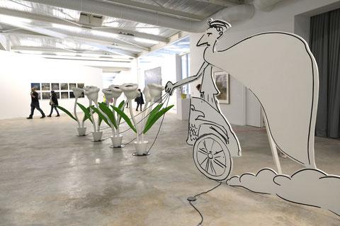 Les fleurs carnivores de l'artiste Alain Séchas symbolisant la cruauté des rapports sociaux et la tentative de domination de la nature.(D. Sherwin White)