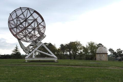 Ancien radar Würzburg utilisé par l'armée allemande lors de la Seconde Guerre mondiale