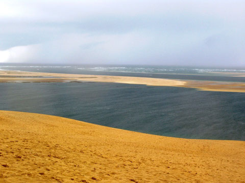 La dune du Pyla et le banc d'Arguin (M. Depecker)