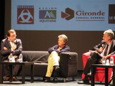 De gauche à droite, Yves Harté rédacteur en chef à Sud Ouest, Pierre Haski fondateur de Rue89 et Jöel Aubert président de Aqui ! (photo de M. Depecker)