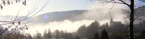 Nebel hängt wie Rauch ...