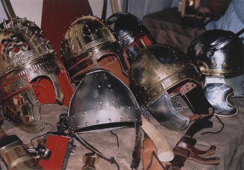 Helme aus römischer Zeit und der Völkerwanderung