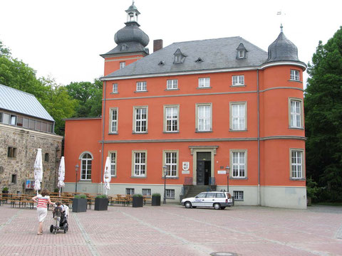 Das Bilderbuchmuseum Burg Wissem in Troisdorf