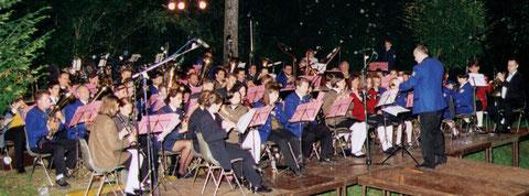 12. Juni 1999 Feuerwerksmusik im Park mit Gastkapellen im Ramen des 30-jährigen Bestandsjubiläums