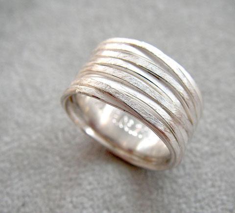 Wickelring • Silber 925, aus der Goldschmiede Martin Wittwer • Schmuck & Objekt in Regensburg, Gesandtenstrasse 16