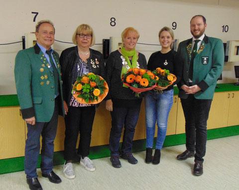 Von links: OSM Willi ERnst, 2. Prinzessin Donathe Schuster, Königin Claudia Fritz, 1. Prinzessin Franziska Späth, SM Christian Lusch.