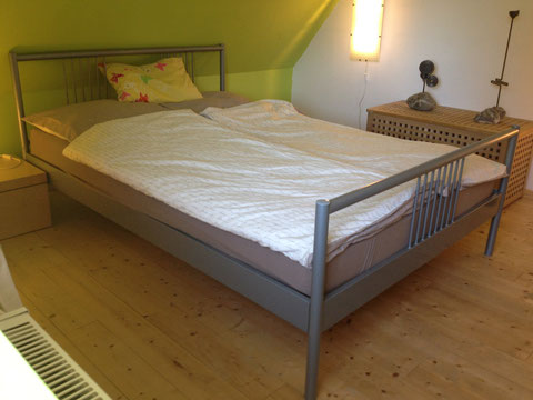 Schlafzimmer Ferienwohnung Einstein Stolberg-Vicht, Eifel, Region Aachen, Nationalpark Eifel, Urlaub für Familien (auch mit Hund)